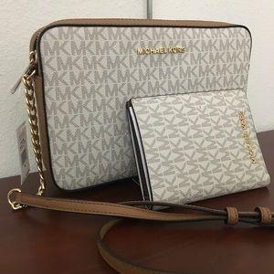 New Michael Kors vanilla Crossbody bag & wallet